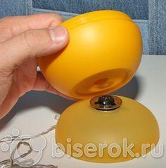 Для существенного ускорения нанизывания бисера, бусин и всего круглого и с дырочкой профессиональные бисероплетельщицы применяют спиннер(spinner). Вот пример спиннера американской фирмы Beadalon, который продается в нашем магазине Biserok.ru .