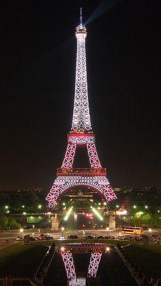 Tour Eiffel en rouge et blanc : Saison de la Turquie en France by y.caradec, via Flickr