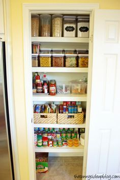 Organization Ideas For Small Pantries Check out these clever ideas for keeping your pantry organized and maximize your space!Check out these clever ideas for keeping your pantry organized and maximize your space! Pantry Shelving, Pantry Storage, Kitchen Storage, Pantry Baskets, Ikea Pantry, Food Storage, Storage Containers, Kitchen Bins, Pantry Cabinets