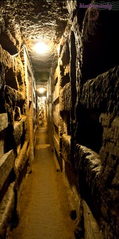 Underground Secrets: The Catacombs of Rome, I have visited Calixto, an interesting visit, but a bit overwhelmed!!