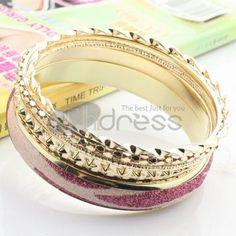 http://www.thdress.com/Pink-rhinestones-pattern-five-laps-alloy-bracelet-p13552.html