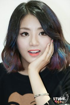 EUNB - Go Eun-bi of Ladies Code. I feel like holding up an incentivizing banner saying Go Eunbi, Go! And she did go, leaving at the same time RiSe, rose up and vamoosed. Hey ho, all good things. Kpop Girl Groups, Korean Girl Groups, Kpop Girls, Make Me Smile, Short Hair Styles, Coding, Pure Products, Lady, Pretty