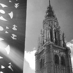 Torre de la catedral #toledo #toledoturismo #toletum #estaes_castillamancha #estaes_espania #igerstoledo #amatoledo #spain #españa #bn #blancoynegro #blackandwhite #catedral