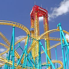 is six flags open on memorial day