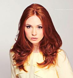 Karen Gillan/Amy Pond.... love this hair color. It's Amy Pond!!!!! I don't think Sabrina realized how amazing this is when she pinned it;)
