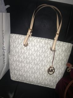 Wish my bf had Pinterest so he knew I wanted this bag!!!