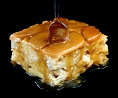 Brown Sugar Caramel Apple Upside-Down Noodle Kugel. A twist on lokshen kugel aka noodle pudding. Noodle Kugel Recipe, Just Desserts, Dessert Recipes, Italian Desserts, Dessert Ideas, Homemade Tiramisu, Apples And Cheese, Cupcakes, Jewish Recipes