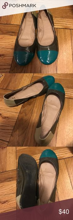 Vince Camuto Tri Color patent flats. Size 8.5 Vince Camuto Tri Color patent flats. Size 8.5 worn once. Purchased at Macy's Vince Camuto Shoes Flats & Loafers