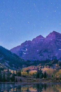Maroon Bells in Aspen, Colorada. They are the most photographed mountains in North America.