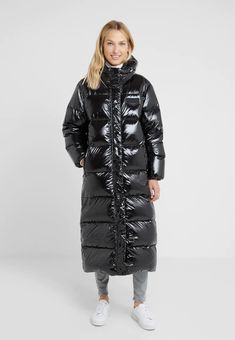 Duvetica ZUBEN - Down coat - nero for Free delivery for orders over Nylons, Black Coat Outfit, Vinyl Clothing, Langer Mantel, Puffy Jacket, Puffy Skirt, Stylish Coat, Winter Coats Women, Outerwear Women