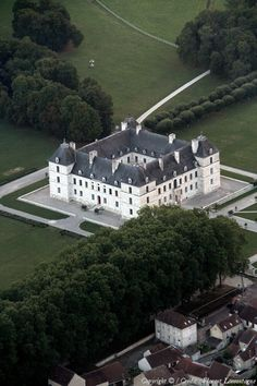 Photo aérienne de Ancy-le-Franc - Yonne (89)
