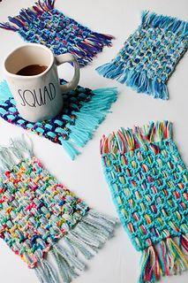 Weaving for kids - Summer Woven Coasters pattern by Lee Sartori – Weaving for kids Weaving For Kids, Weaving Art, Loom Weaving, Tapestry Weaving, Hand Weaving, Crochet Home, Crochet Crafts, Crochet Projects, Boho Crochet Patterns