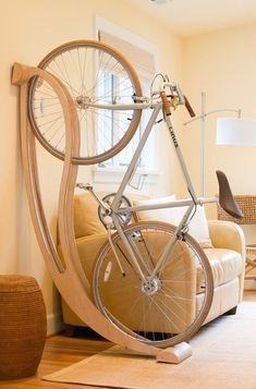 Красивая стойка для велосипеда в интерьере / Авто Мото Вело / ВТОРАЯ УЛИЦА