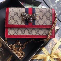 Gucci Queen Margaret GG Mini Bag 476079 Size: cm Beige/ebony GG Supreme canvas, a material with low environmental impact, with . Prada Handbags, Replica Handbags, Luxury Handbags, Fashion Handbags, Designer Handbags, Fall Handbags, Designer Bags, Round Bag, Beaded Clutch