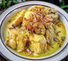 Delicious Opor Ayam Recipe for Eid Mubarak – Chicken Recipes Asian Recipes, Healthy Recipes, Ethnic Recipes, Mie Goreng, Nasi Goreng, Indonesian Cuisine, Indonesian Recipes, Malay Food, Malaysian Food