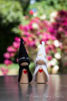 @Linda Bruinenberg Bruinenberg Bruinenberg K Thompson Bride and Groom Gnomes!