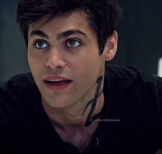 Find images and videos about shadowhunters, the mortal instruments and alec lightwood on We Heart It - the app to get lost in what you love. Alec Lightwood, Isabelle Lightwood, Matthew Daddario, Shadowhunters Series, Shadowhunters The Mortal Instruments, Cassandra Clare, Most Beautiful Man, Beautiful Eyes, Shadowhunter Alec