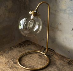 Are you interested in our BRINDISI GLOBE ROUND LAMP? With our ELEGANT CIRCULAR TABLE GLASS you need look no further.