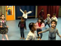 ▶ De pietendans - 'Lachen gieren brullen' YouTube