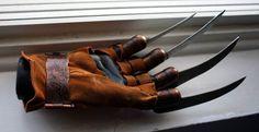 Freddy remake glove
