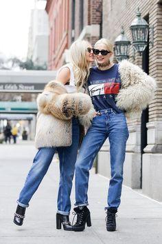 street style new york fashion week best looks fall 2016 #flatlay #flatlays #flatlayapp www.theflatlay.com