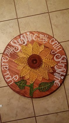 Sunflower string art Sunflower Room, Sunflower Nails, Sunflower Gifts, Diy House Warming Gift, Sunflower Decorations, Art N Craft, Diy Art, String Crafts, Nail String Art