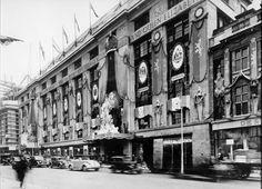 Coronation decorations at Derry and Tom's, London, Old London, West London, Famous Store, Slums, London Photos, Store Fronts, Department Store, Vintage Images, Vintage Shops