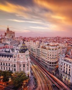 Views over the Gran Via of really put the beauty of the city into perspective. Francisco Goya, Imagine Dragons, Real Madrid, Liverpool, Beau Site, Uefa Champions, Best Sunset, Perfect World, Travel Abroad