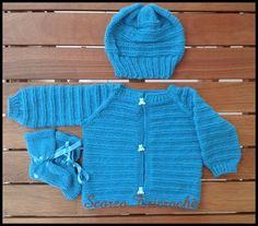 Scorzo Tricroche: Conjunto de casaquinho, touca e sapatinho para beb...