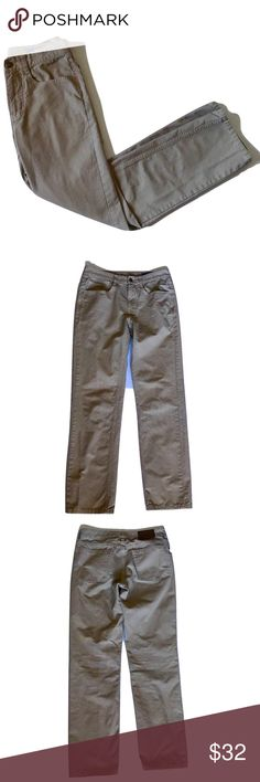 Vineyard Vines 5-pocket Canvas Pants in Khaki Answer: A place for a pocket watch, coin or ticket. Question: What is the purpose of that mini front pocket on these incredibly comfortable cotton canvas men's pants? Now you're prepared for Jeopardy.  Fabrics: · 100% cotton-canvas  Features: · Five pocket jean details · Whale tab on the back pocket · Imported   Care Instructions: · Machine wash  EUC from a smoke free home! Only flaw is missing thread from some areas of the pockets' stitching…