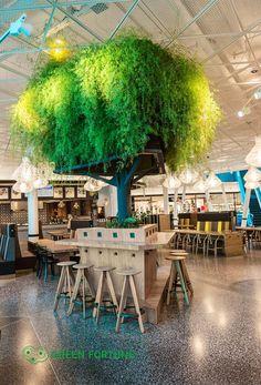 Zielona ściana - drzewo w Emporia, Malmö, Szwecja - zdjęcie