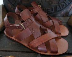 Sandalia artesanales de cuero curtido sin pigmentar . por MarioDoni
