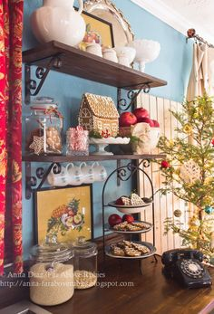 beautiful farmhouse kitchen - red & blue for Christmas