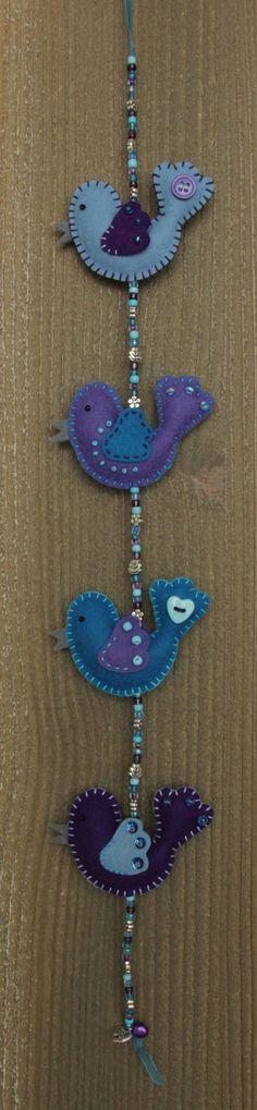 Felt bird decoration  MiniLuckybird garland door StudioSimone, €19.00