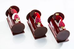 Choco raspberry addiction #raspberry #instafood #instagood #chocolate #loversweet #design #black #red @gregorydoyen by gregorydoyen