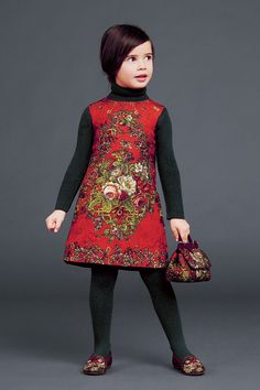 http://www.dolcegabbana.com/child/collection/dolce-and-gabbana-winter-2015-child-collection-27/