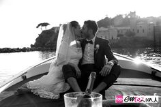 Wedding photos on boat, sailing from Baia del Silenzio to Sestri Levante harbour