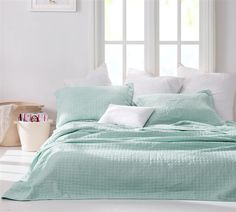 Wrinkle Quilt - Hint of Mint Stone Washed - Oversized King XL