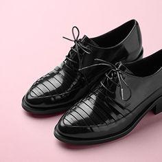Strap Effect Shoe
