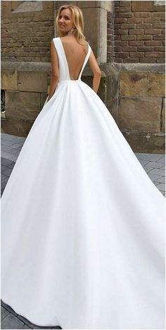 Luxurious Open Back Wedding Dresses For Spring (201)