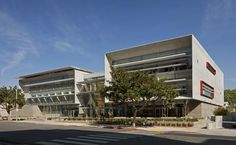 UCLA Outpatient Surgery and Medical Building in Santa Monica by Folonis Architects