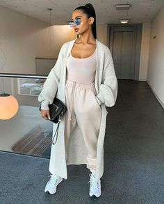 Uploaded by Nez ✨. Find images and videos about fashion, style and pretty on We Heart It - the app to get lost in what you love. Cute Comfy Outfits, Sporty Outfits, Mode Outfits, Chic Outfits, Trendy Outfits, Winter Fashion Outfits, Look Fashion, Fall Outfits, Sporty Fashion