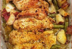Garlic & lemon chicken with green beans & red potatoes! Garlic & lemon chicken with green beans & red potatoes! Garlic & lemon chicken with green beans & red potatoes! Great Recipes, Dinner Recipes, Favorite Recipes, Dinner Ideas, Simple Recipes, Family Recipes, Nice Dinner, Popular Recipes, Lemon Garlic Green Beans