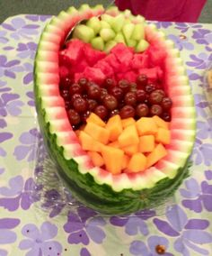 New Fruit Salad Bowl Ideas Baby Shower 51 Ideas Watermelon Fruit Bowls, Watermelon Basket, Watermelon Carving, Fruit Kabobs, Watermelon Ideas, Watermelon Animals, Carved Watermelon, Fruit Appetizers, Fruit Snacks