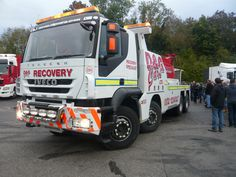 Iveco recovery returning damaged race truck back to the pits - Brands Hatch 2013