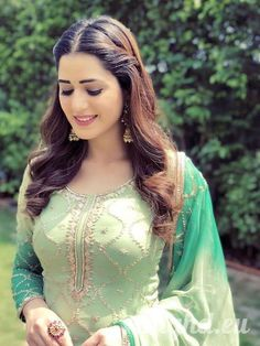 Isha Rikhi Hot HD Photos & Wallpapers for mobile Beautiful Girl Indian, Beautiful Girl Image, Beautiful Indian Actress, Beautiful Women, New Style Suits, Punjabi Models, Pakistani Party Wear, Punjabi Girls, Stylish Girl Images