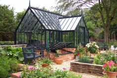 There is no more hurdle to know how to do greenhouse gardening? Greenhouse gardening is only possible in the best climatic conditions and weather variables. Greenhouse Kitchen, Best Greenhouse, Backyard Greenhouse, Greenhouse Plans, Homemade Greenhouse, Greenhouse Wedding, Orangerie Extension, Glass Green House, Gardening