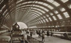 Stazione Centrale, anni 30 #milano #fotografia #storia Bangkok Travel, I Want To Travel, Roman Empire, Locomotive, Vintage Photos, Landscape, History, World, Places