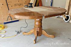 Kitchen Table Makeover, Diy Kitchen, Kitchen Decor, Kitchen Ideas, Updated Kitchen, Round Kitchen, Refurbished Furniture, Furniture Makeover, Furniture Projects