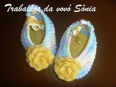 Trabalhos da vovó Sônia: Sapatinho para bebê tipo sapatilha multicor - croc...